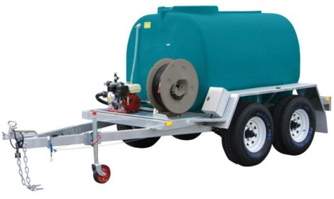 Fire fighting water trailer with fire pump