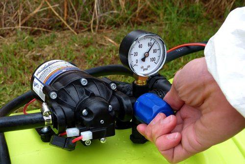 spray pump regulator